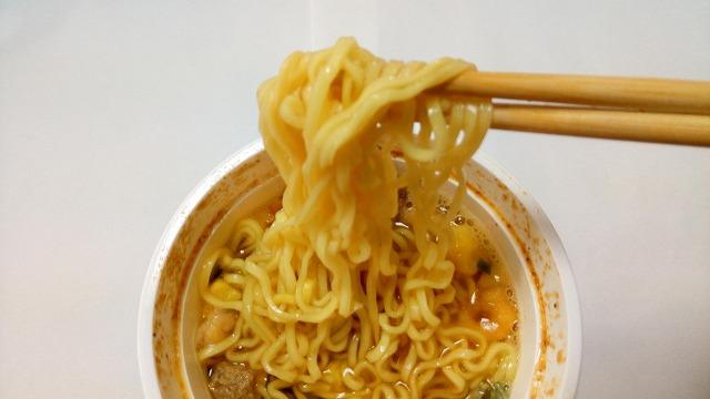 クッタ(QTTA)醤油味麺