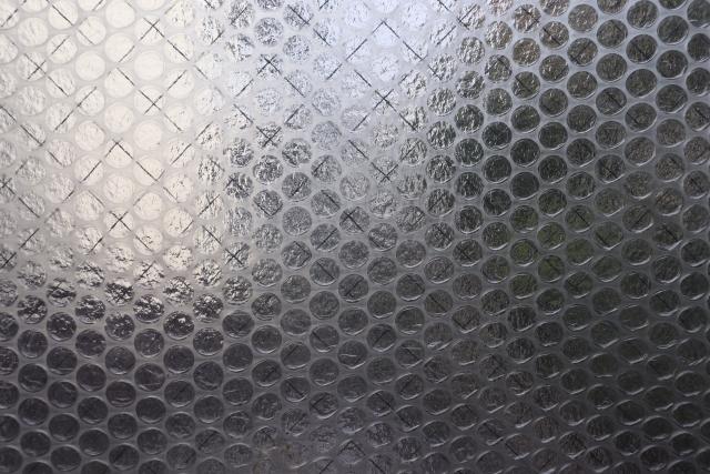 プチプチの窓への貼り方